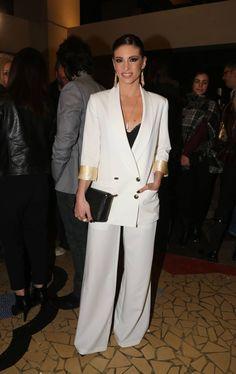 Η Αθηνά Οικονομάκου μας δείχνει το τέλειο ανδρόγυνο look Star Fashion, Beautiful People, Suit Jacket, Actresses, Actors, My Style, Celebrities, Pretty, Jackets