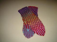 Ravelry: Mini Mochi Fair Isle Mittens pattern by Sandi Rosner
