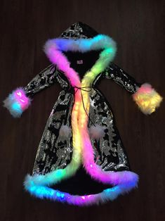Women's Small Sequin Faux Fur LED Rainbow Temptress Coat in Black/Silver/White Iridescent for Burnin Girls Fashion Clothes, Teen Fashion Outfits, Girl Fashion, Fashion Design, Cute Girl Outfits, Cute Casual Outfits, Galaxy Outfit, Mode Lolita, Kawaii Clothes
