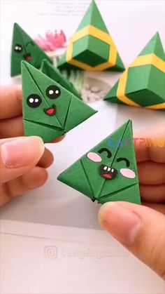 Cool Paper Crafts, Diy Crafts For Gifts, Diy Arts And Crafts, Cute Crafts, Creative Crafts, Diy Paper, Paper Crafts Origami, Origami Art, Origami Gifts