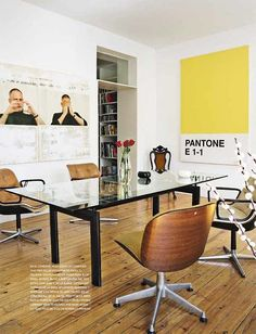MEETING POINT: LC6 TABLE LE CORBUSIER AND EXECUTIVE KNOLL CHAIRS.
