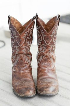 I absolutely love these boots, they have some sort of country, bohemian style