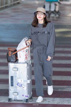 Blackpink Lisas Outfit am Incheon Flughafen am Oktober 2019 - Mein Stil Blackpink Outfits, Kpop Fashion Outfits, Korean Outfits, Stylish Outfits, Work Outfits, Airport Outfits, Incheon, Korean Airport Fashion, Korean Fashion