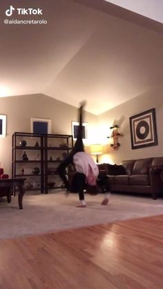 Gymnastics Tricks, Gymnastics Workout, Cool Dance, Just Dance, Dance Choreography Videos, Dance Videos, Cool Music Videos, Good Music, Funny Video Memes