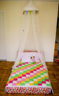 """Fabulous idea for a big girl bed!  Maybe this is something we need to try when we move to the """"big girl"""" bed."""