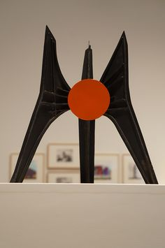 Alexander Calder, Kinetic Art, Art Sculptures, Law Of Attraction, Madrid, Mexico, Twitter, Inspiration, Inventions