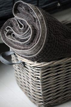 Decor | 装飾 | decoración | Arredamento | Décor | декорации | Manchester | Furnishings | Interior Design | Details | Grey Basket and Blanket