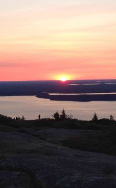 Cadillac Mountain | Travel | Vacation Ideas | Road Trip | Places to Visit | Bar Harbor | ME | Mountain | Fall Foliage | Monument | Natural Feature | Hiking Area | Scenic Point