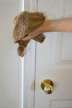 The Lost Art of Cleaning - Walls Household Cleaning Tips, Deep Cleaning Tips, Cleaning Walls, House Cleaning Tips, Diy Cleaning Products, Spring Cleaning, Cleaning Mops, Cleaning Schedules, Cleaning With Hydrogen Peroxide