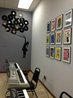 Decoration from vinyl records can be a nice wall decoration Source by Diy Kitchen Storage, Diy Kitchen Cabinets, Stopped Up Toilet, Record Decor, Diy Wall, Wall Decor, Music Corner, Beautiful Wall, New Room