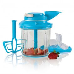 Tupperware Power Chef Product Details Quickly and easily prepare recipes with a seriously up-to-date culinary solution. Our newly designed, most efficient food processor blends, mixes, emulsifies and chops with the easy pull of a cord. Tupperware Storage, Tupperware Recipes, Plastic Container Storage, Food Storage Containers, Pomegranate Smoothie, Tupperware Consultant, Salt Water Taffy, Freezer Jam, Shopping