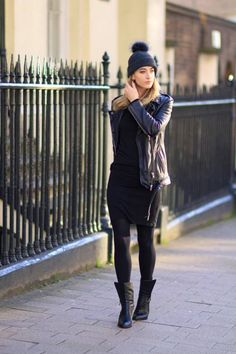 What to wear in London - 10 outfits for inspiration for your visit to London. Click through to learn how to dress like a local Londoner when visiting England.