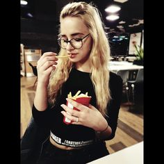 #pretty #nice #chips #mcdonald #beauty #girl #blonde #prettiest #black #dark #wow #omg #tumblrgirl #tumblr #fastfood #fast #food
