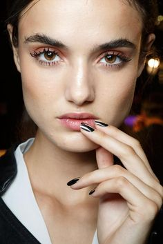 Dsquared2 Spring/Summer 2015  Lots of mascara, same colour on lips as on eyes