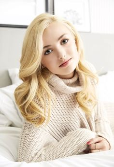 I always will look up to Peyton list because of her beauty and sense of fashion when it comes to being a pretty, young girl...love you Peyton!