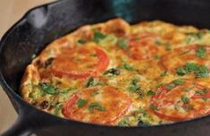 Frittata with Broccoli and Tomatoes. Frittata with Broccoli Tomatoes and Smoked Cheddar Bacon Stuffed Mushrooms, Stuffed Peppers, Tortilla, Camping Meals, Food Inspiration, Breakfast Recipes, Brunch Recipes, Food To Make, Good Food