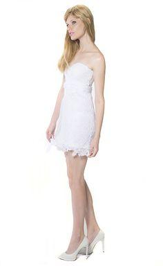 Branco para o Ano-Novo? Compre na www.blacksuitdress.com.br #anonovo #natal #branco #vestidodefesta #vestido #estilo #festas #compras #elegancia #moda #look