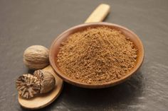 Aprende a consumir la nuez moscada. Home Remedies, Dog Food Recipes, Walnut Recipes, Sweet And Saltines, Chilis, Health And Wellness, Health And Beauty, Herbs, Remedies