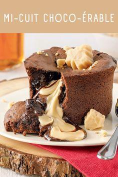 Un goût de paradis: mi-cuit choco-érable - Tasties Foods Sweet Desserts, Easy Desserts, Sweet Recipes, Dessert Recipes, Dessert Parfait, Mousse Dessert, Pavlova, Chocolate Desserts, Cupcake Cakes