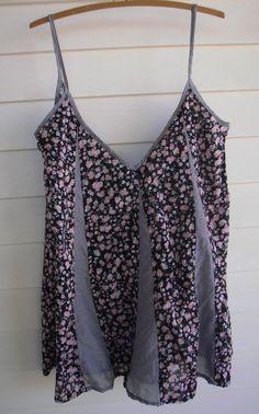 Roxy Women s Black White Pink & Green Stripe & Floral Print Singlet Top - Sz 8