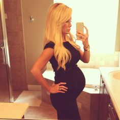 Pregnancy style fashion baby bump 31 weeks 8 months