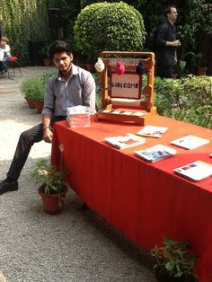 Siddhant one of Handmade World team members! Enjoying the weather at one of our  exhibitions!  Handmade World specialises in the finest quality handmade rugs and supplies across India and can also ship internationally!