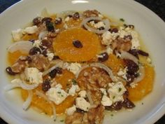 Quick fruity orange salad with goat's cheese
