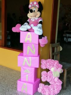 Minnie Mouse Birthday Decorations, Minnie Mouse Theme Party, 2nd Birthday Party Themes, Mickey Mouse Clubhouse Birthday, Mickey Mouse Birthday, First Birthday Parties, Minnie Mouse Favors, Birthday Ideas, 3rd Birthday