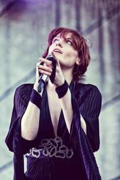 Florence Welch - Happy beyond words for seeing her and her band in September (Newcastle-Upon-Tyne)!!! :D