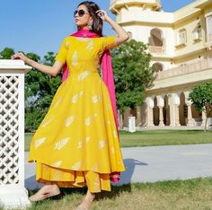 Best Trendy Outfits Part 28 Pakistani Dresses Casual, Indian Fashion Dresses, Indian Gowns Dresses, Dress Indian Style, Indian Outfits, Simple Anarkali Suits, Pakistani Clothing, Indian Wear, Simple Kurti Designs