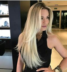 Pin by 𝑪 𝒉 𝒓 𝒊 𝒔 𝒕 𝒚 𝑩 𝒂 𝒍 𝒍 𝒂 𝒏 𝒄 𝒆 on hair Blonde Hair Black Girls, Ash Blonde Hair, Balayage Hair Blonde, Blonde Highlights, Blonde Ombre, Hombre Hair, New Long Hairstyles, Beautiful Blonde Hair, Balayage Ombré