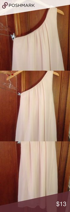 Forever21 One Shoulder Dress. Cream Size S. Forever21 Flowy One Shoulder Cream Dress. Size Small. Forever 21 Dresses One Shoulder