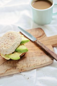 Healthy Egg & Avocado Breakfast Sandwich + a 60 second egg trick that will change your mornings forever!