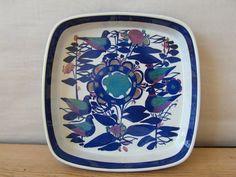Royal Copenhagen - large dish - birds and flowers - 144/2885 - Kari Christensen