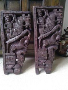 Indian hand carved wooden Corbels/Bracket | eBay Wooden Corbels, Wooden Brackets, Wood Carving Art, Wood Art, Wood Carvings, Indian Furniture, Antique Furniture, Wood Bookends, Ethnic Decor