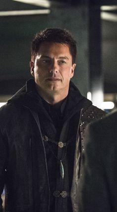 The Flash - Malcom Merlyn John Barrowman Arrow, Eobard Thawne, Arrow Tv Series, Arrow Cast, Reverse Flash, Captain Jack Harkness, Dc Legends Of Tomorrow, Black Lightning, Torchwood