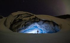 12 surreal places in Canada you won't believe really exist. I want to go to them all! Ice cave in Jasper