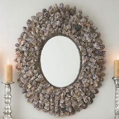 Oyster shell mirror with a single row of miniature shells surrounded by hundreds of larger, old oyster shells in all their naturally delicate yet rustic beauty. Seashell Crafts, Beach Crafts, Seashell Wreath, Seashell Art, Starfish, Diy Crafts, Modern Mirror Design, Deco Marine, Spiegel Design