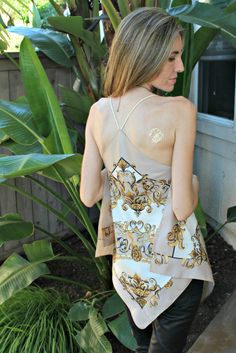DIY: A Scarf Halter Top • Free tutorial with pictures on how to make a strapless top in under 45 minutes