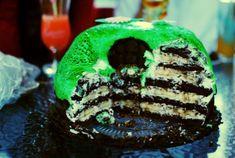 Banánovo čokoládový dort - recept na nadýchaný korpus, jemný krém Vodka, Cake, Food, Kuchen, Essen, Meals, Torte, Cookies, Yemek