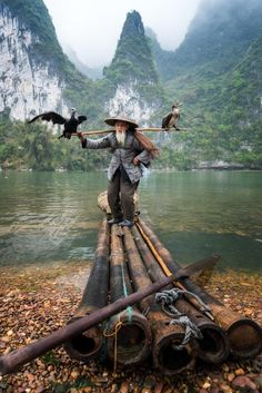 Cormorant fisherman by the Li River China Photography by by naturee Old Fisherman, Art Asiatique, Photo Portrait, Guilin, Wale, In China, People Of The World, Amazing Nature, Belle Photo