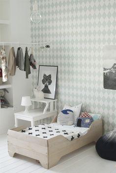 Habitacion con papel de rombos