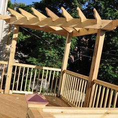 Corner pergola.....be nice over a corner hot tub