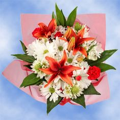 Christmas Floral White Daisies Red Lilies Green Alstroemerias | Global Rose
