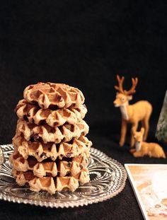 """Christstollen-Waffeln - das Rezept findet ihr auf dem Blog und auf """"Merry Blogmas - der Foodie-Adventskalender"""""""
