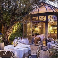 The Provencal cuisine at La Bastide de Saint-Tropez, with its two restaurants, Le Bistro and L'Olivier, is a genuine reflection of the spirit of the South of France. #RelaisChateaux #Gourmet #Gastronomie #FineDining #SaintTropez #BastideSaintTropez