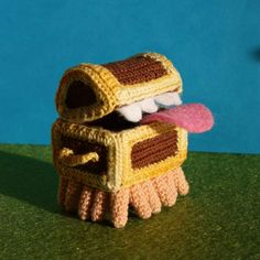 The Luggage – from Terry Pratchett's Discworld, crocheted by MightyStarGazer