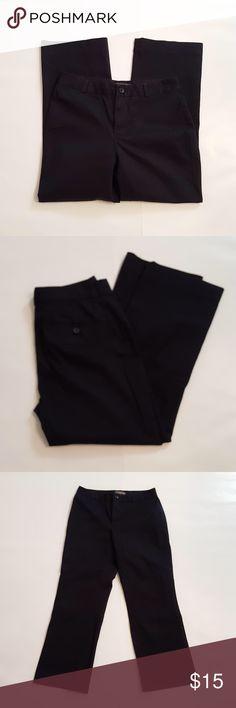 "Banana Republic Stretch Pants Banana Republic Stretch Pants. One button front closure. No front pockets. Size 4. 67% cotton, 31% nylon, 2% spandex. Measurements: 28"" waist, 35"" hips, 32"" length, 24 1/4"" inseam. Banana Republic Pants Ankle & Cropped"