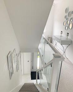 Home Room Design, Dream Home Design, Home Interior Design, House Design, House Staircase, Staircase Design, Hallway Inspiration, Home Decor Inspiration, Hallway Designs