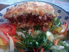 Pastitsio - grecka zapiekanka makaronowo-mięsna